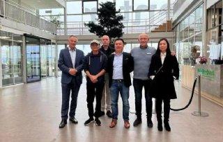 Alibaba-oprichter Jack Ma bezoekt kassenbouwer BOAL