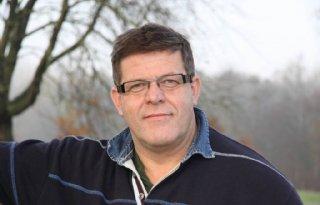 Jan Cees Vogelaar melkveehouder af