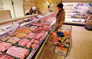 Supermarkten+pareren+kritiek+varkensprijs