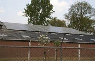 Zonnepaneelindustrie+ligt+op+zijn+gat