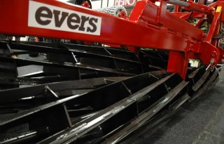Machine tegen maïsstelgelboorder