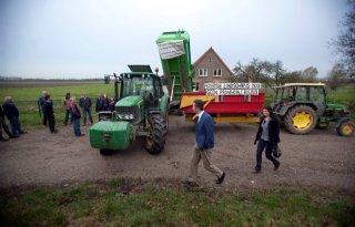Boeren+protesteren+weer+tegen+Buijtenland