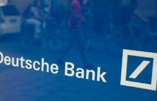 Deutsche+Bank+geeft+iets+toe