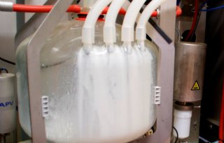Smartphone+ziet+BST+in+melk