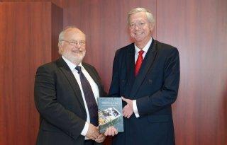 Eerste kwekersrechtboek voor Hoogeveen
