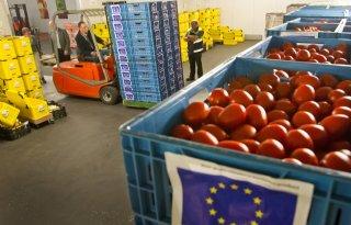 'Amper groente en fruit naar voedselbank'