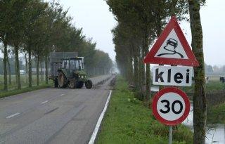 Controle op klei op de weg in Noordkop