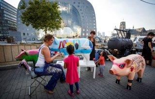 Rotterdam+getrakteerd+op+varkenskunst