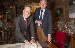 Boeren tekenen voor Groot Wilnis-Vinkeveen
