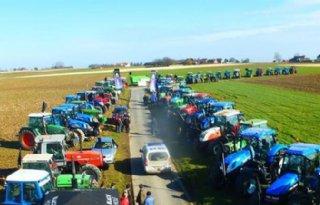 Franse+boeren+weer+in+actie+op+snelweg