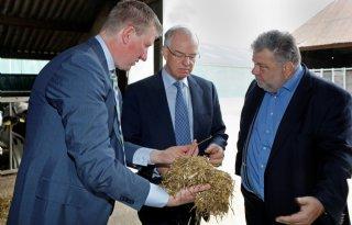 Ierse ambassadeur bezoekt Keenan Centrum