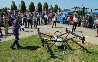 Grote drone voor gewasbescherming
