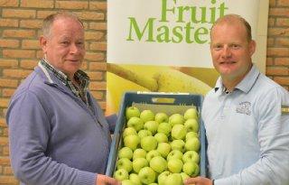 Eerste+appels+oogst+2015+bij+Fruitmasters