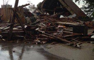 Windhoos%3A+boerderijen+zwaar+beschadigd