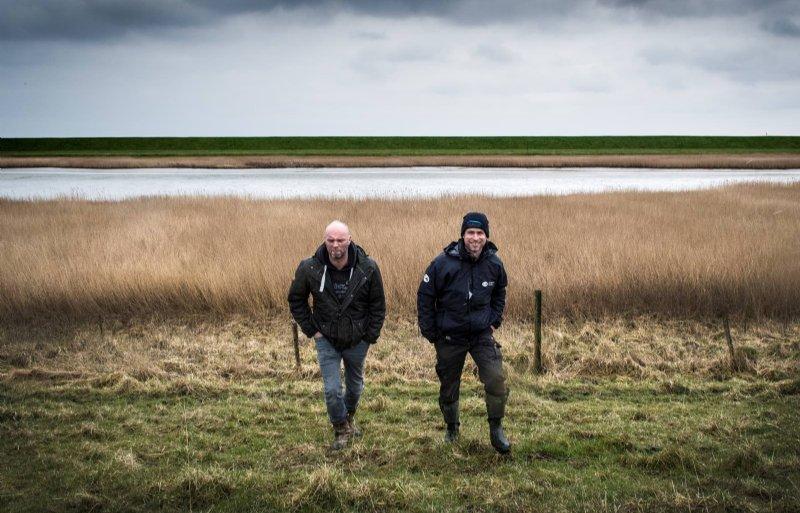 Akkerbouwer Ludolf Fledderman en natuurbeheerder Silvan Puijman