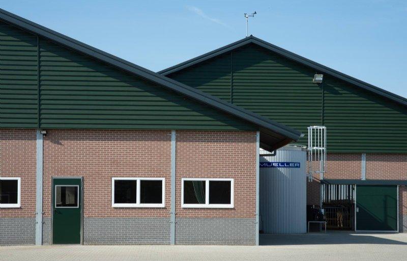 Er is gekozen voor een dak met dubbele kap; een idee van de familie Lemlijn.