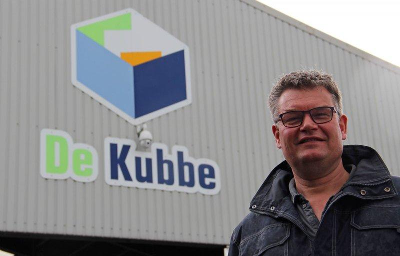 'Als dienstverlenend bedrijf willen we schoon werken', zegt directeur Dick van Tilburg van De Kubbe in Biddinghuizen.