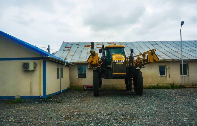 Frisian Investors helpt Nederlandse boeren bij investeringen in Roemenië. Grond wordt vaak soms weer verpacht aan lokale boeren die ook worden geholpen bij de financiering van machines.