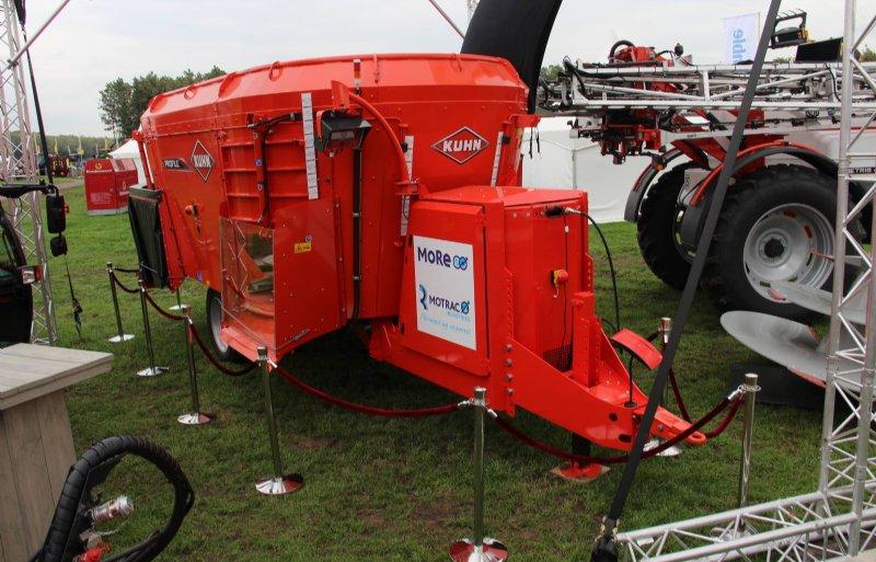 Een volledig elektrisch aangedreven Kuhn-voermengwagen. De batterij is op een gemiddeld bedrijf voldoende voor twee voerbeurten.