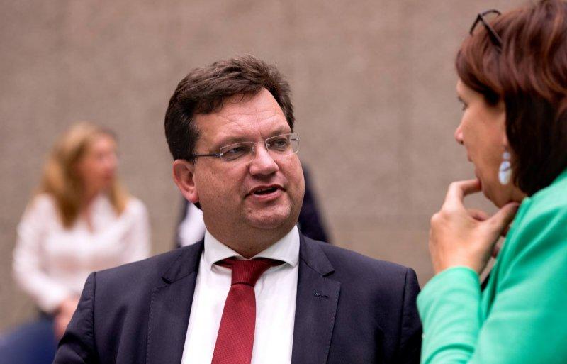 Helma Lodders krijgt steun in haar betoog van CDA-Kamerlid Jaco Geurts.