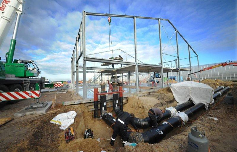 De biomassa-installatie wordt 10 meter hoog.