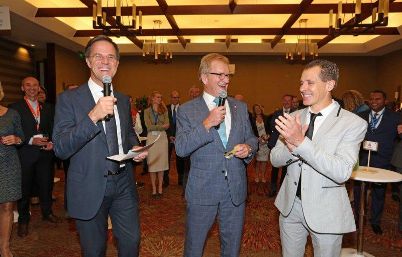 Minister-president Mark Rutte, voorzitter Hans de Boer van VNO-NCW en Bas Vloet tijdens de handelsmissie in Colombia.
