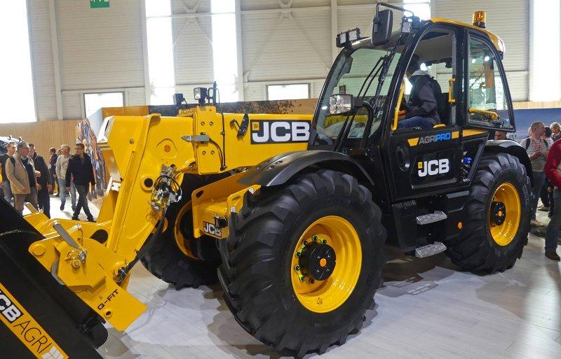 De nieuwe 3-serie verreikers van JCB bestaat uit vijf modellen met reikwijdtes van 6 tot 9,5 meter.