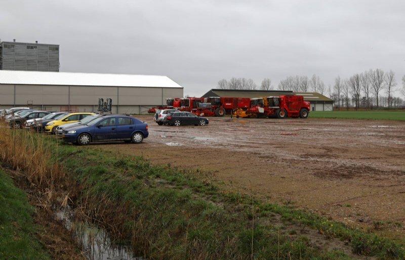 Op een 11 hectare groot terrein achter de fabriek komt een centraal magazijn.