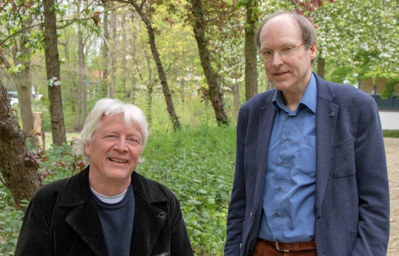Onderzoekers Theo Vogelzang (links) en Bert Smit.