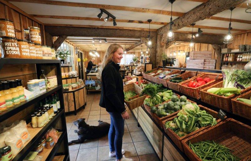 Landwinkel Goense verkoopt zo'n veertig eigen producten.