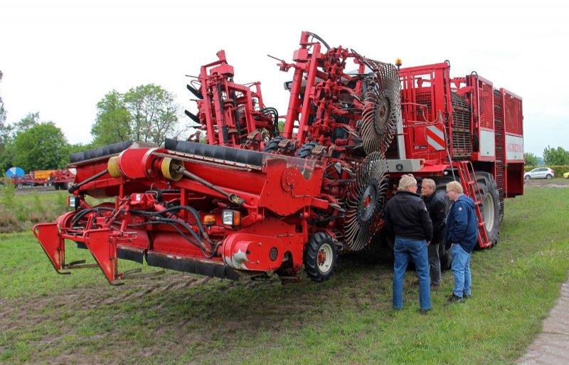 Om de bodemdruk te beperken, mag een machine met bredere banden eigenlijk niet navenant zwaarder worden.