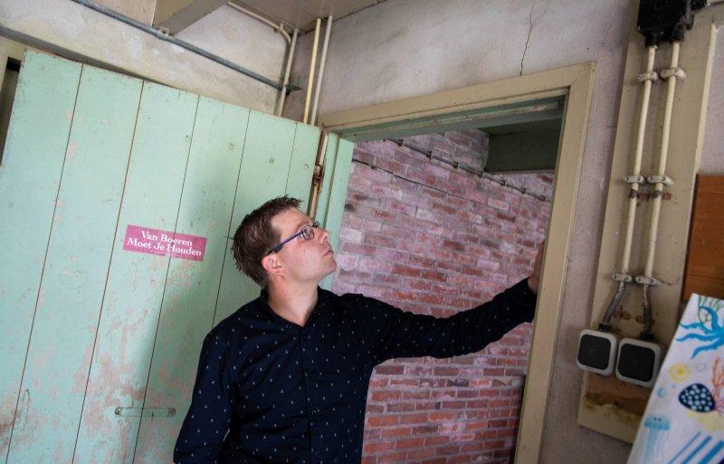Koos Meeuwes: 'Het zijn bouwkundige scheuren.'