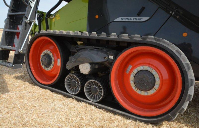 De meeste nieuwe Lexions zijn verkrijgbaar op Terra Tracs. Hiermee heeft de Lexion 8900 een graantank van 18.000 liter.