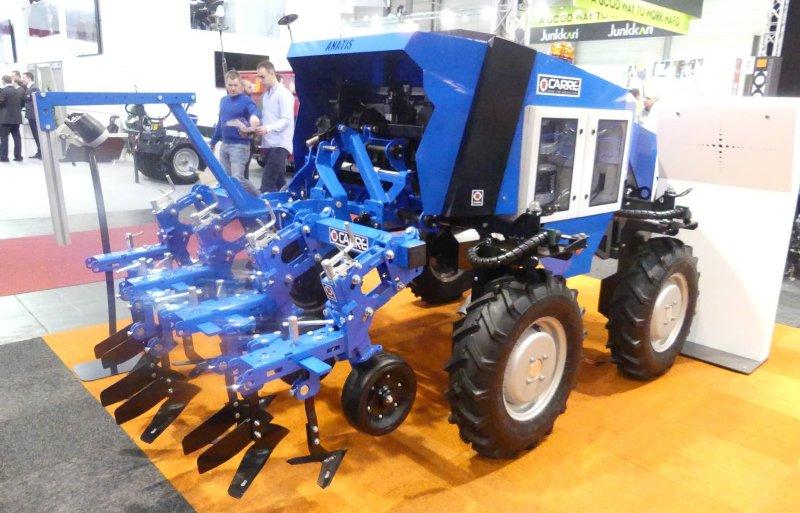 De Anatis van Carré is een autonoom elektrisch aangedreven voertuig met een driepuntshef.