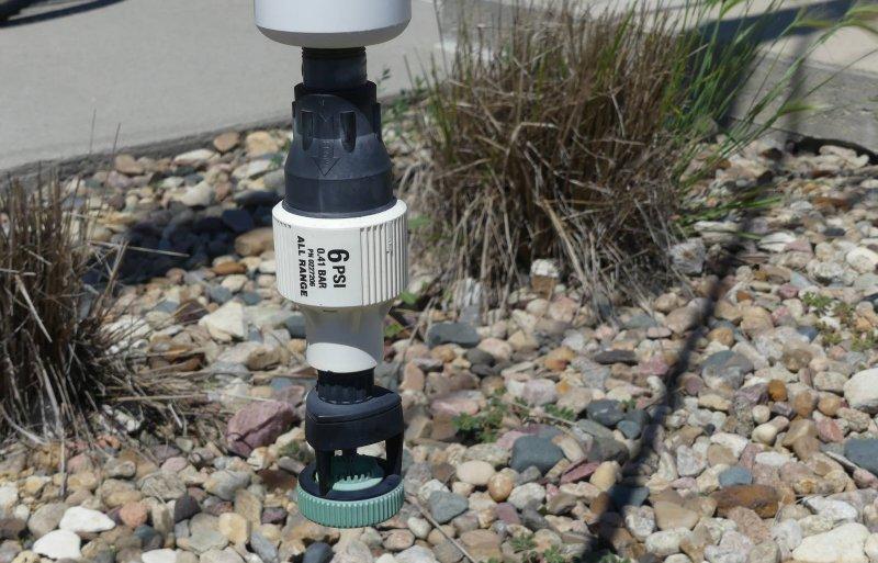 Low Energy Nozzles met een einddruk vanaf 6 psi (0,4 bar) worden sinds de jaren tachtig gebruikt.
