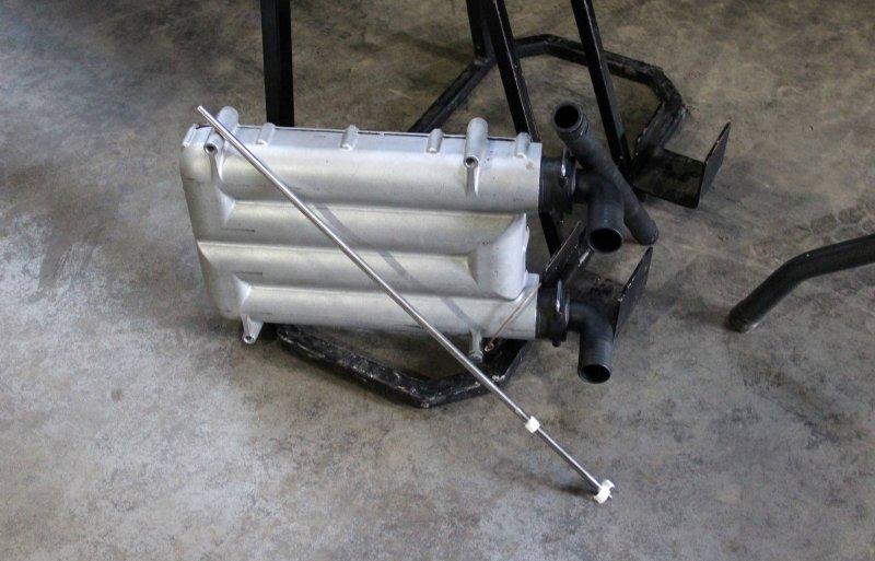 MagGrow bestaat uit een magnetische hoofdunit voor op de veldspuit en magnetische stangen voor in de spuitleiding.