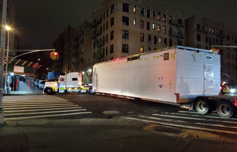 Container tijdens nachtelijke transport.