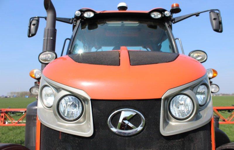 Kubota werkt aan een zescilinder motor met een vermogen van maximaal 300 pk.