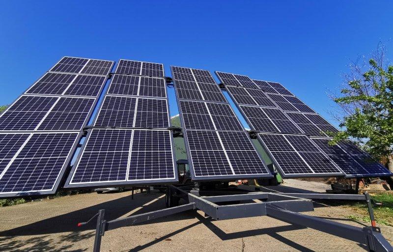 Om een haspel via zonne-energie te voeden, is deze forse MSS40-installatie van Agriper vereist.