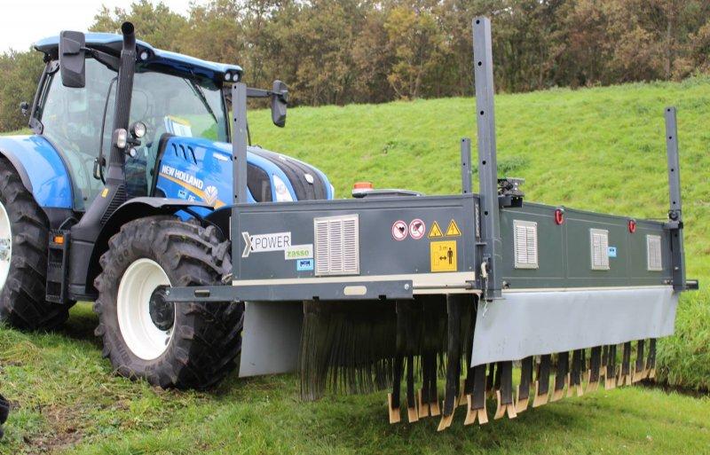 Zasso X-Power met pluspool- en minpoolbegeleiders voor de elektrocutie van grasland.