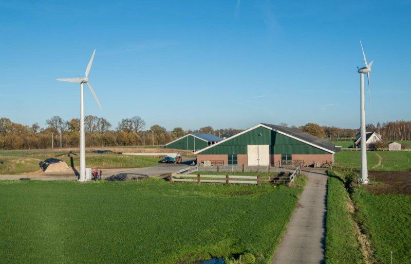 Maatschap Klei in Dalfsen schakelde BestWatt in voor het realiseren van een combinatie van zonne- en windenergie. Foto: BestWatt