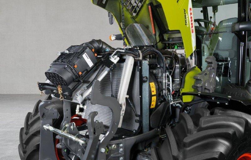 De motor is wederom een 4,5 liter FPT die SCRoF -techniek gebruikt om te voldoen aan de Stage V-emissie eisen.