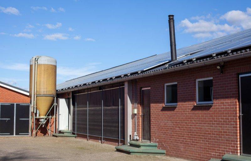 Via het concept 'Duurzame Zekerheid' van Univé kunnen boeren zonder eigen investering van hun asbest afkomen, door op het dak zonne-energie te laten produceren.