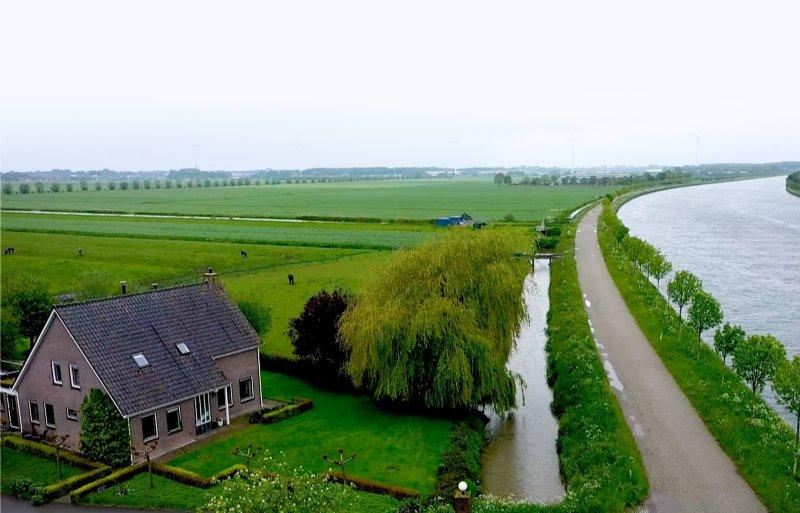 Piet en Marja van Rooijen stellen een deel van hun land beschikbaar voor een zonnepark.