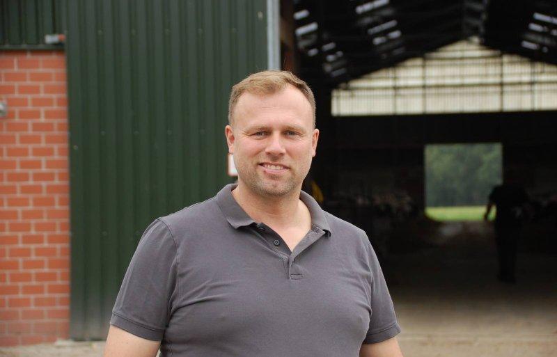 Melkveehouder Thorsten Fengels (42).