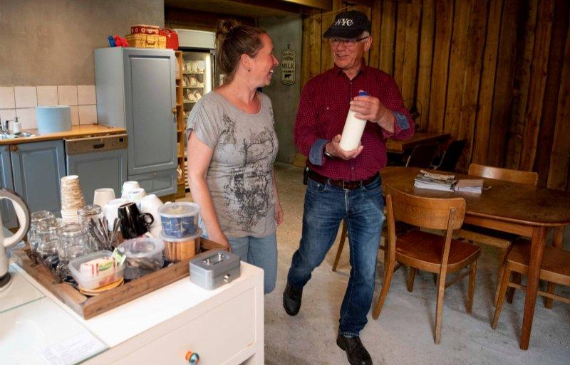 'Voor gasten blijft het vaak niet bij een kopje koffie', zegt Linda Hulsman.