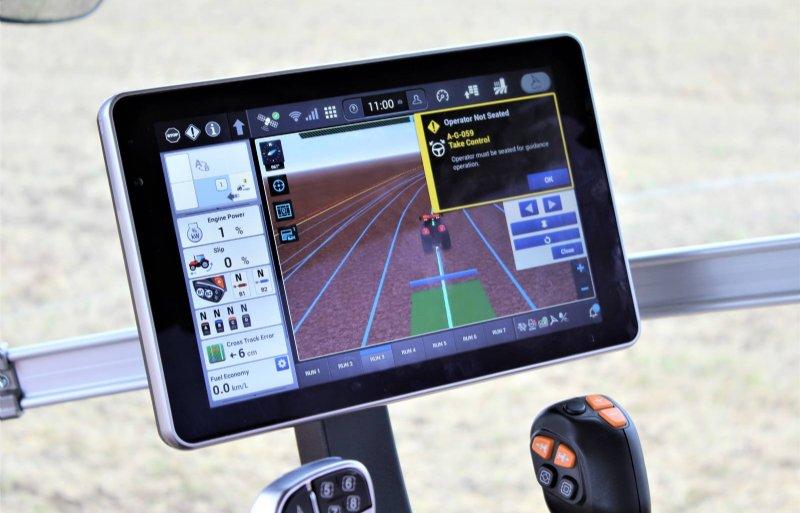 In de AFS Pro 1.200-terminal zijn trekkerfuncties, gps en camerabeelden te zien.