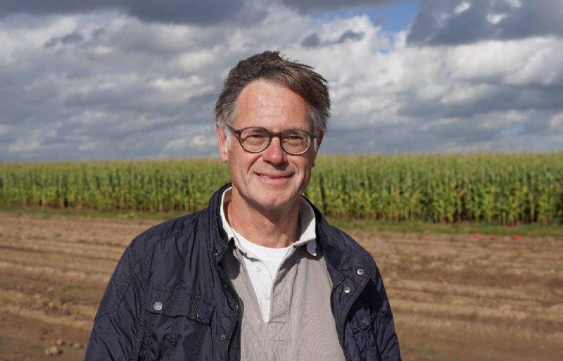 Paul Goorden, Cebeco Agrochemie: 'De proeven hier in Dordrecht bevestigen wat we al wat langer zagen. En dat is dat Propulse het sterkste middel op alternaria is.'